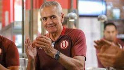 Universitario termina contrato de Gregorio Pérez