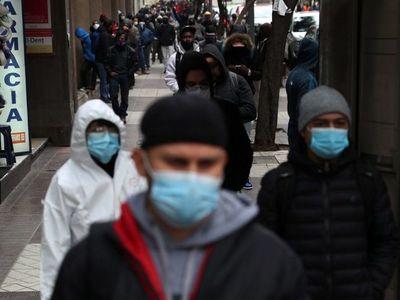Piñera destituye a su ministro de Salud tras polémica gestión