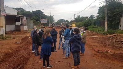 Avda. De la Victoria: Vecinos reclaman respuestas a inquietudes sobre obras