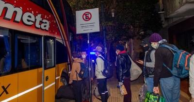 Grupo de 61 compatriotas regresó en un bus desde Argentina