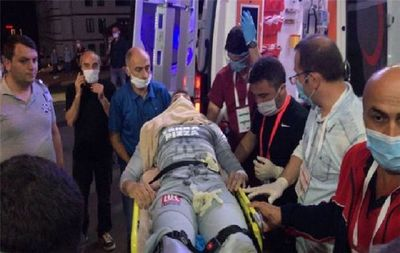 El uruguayo Muslera se rompe tibia y peroné tras un choque fatal con Skoda