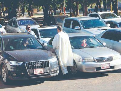 Piden a los abuelitos  no asistir todavía a las misas