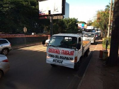 Los camioneros exigieron la autorización para trabajar