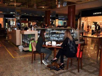 En pandemia, shoppings son solo para comprar y no para socializar