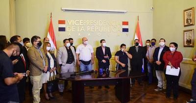 Vicepresidente se reunió con sindicatos de la función pública