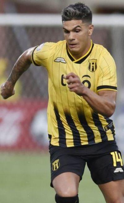Fernández ya está en Paraguay