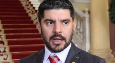 """""""Algunos políticos solo quieren micrófono y cámara"""" afirma Nenecho Rodríguez"""