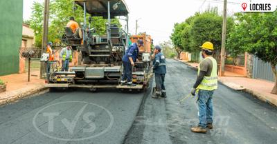 Obras de Desarrollo: Asfaltan calles en Cambyretá