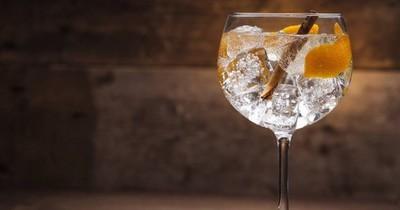 Las especias no faltan: gin tonic en casa