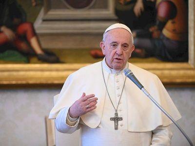 """Papa elogia al personal sanitario, """"ángeles"""" al lado de enfermos"""