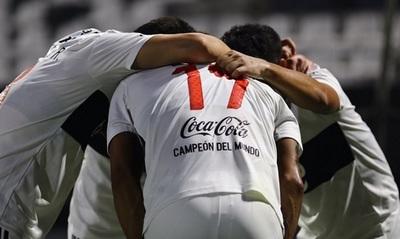 Prohibido escupir e intercambiar camisetas en la Libertadores