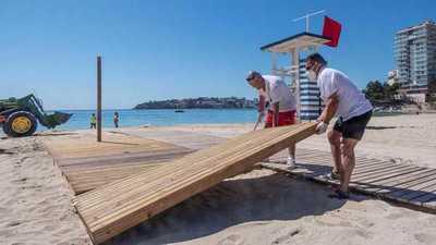 """Playas """"anti-COVID"""" para recibir al turista en España"""