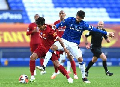 Liverpool no puede con el Everton en su retorno