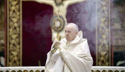 """Papa insta a cuidar del """"hogar común"""""""