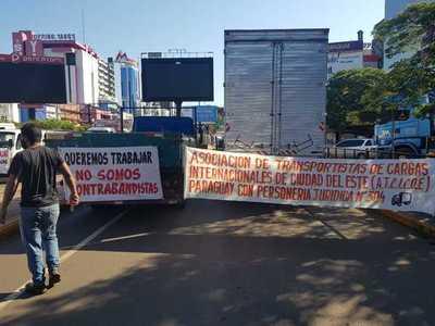 Aduanero protegido del vicepresidente incentiva movilización de PASEROS contra el GOBIERNO