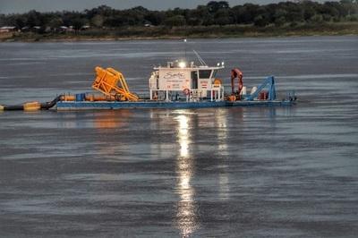 Abdo Benítez verifica construcción de la costanera de Pilar