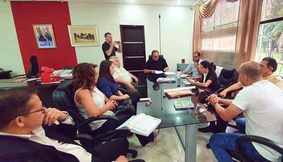 Comisión de FESTEJOS encabezado por ex concejal CORRUPTO «pechea» PLATA al gobernador