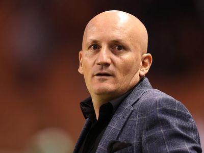 Liga de Quito se aferra al técnico Pablo Repetto