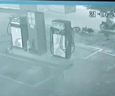 [VIDEO] En Caaguazú guardia salva a dos mujeres de ser asaltadas por 'motochorros'