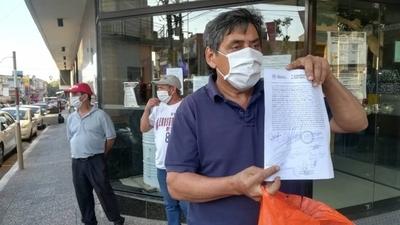 HOY / Maleteros no pueden trabajar en el aeropuerto por la pandemia y exigen millonaria indemnización