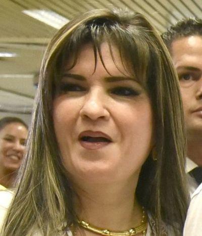 Aduaneros PROTEGEN esquema de CONTRABANDO de la prófuga DALIA LOPEZ