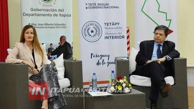 MINISTRO DEL INTERIOR PRESENTE EN EL DEBATE DE LA ACADEMIA DE LIDERAZGO JUVENIL.