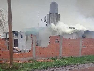 Saquean y queman casas de paraguayos en Argentina