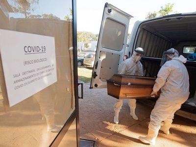 Brasil, sin señales de estabilización de la pandemia con casi 54.000 muertes