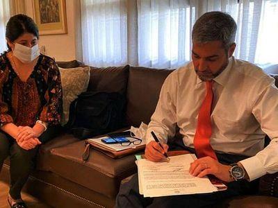 Mario Abdo busca alternativas para dar veto parcial a ley que anula facturas de ANDE
