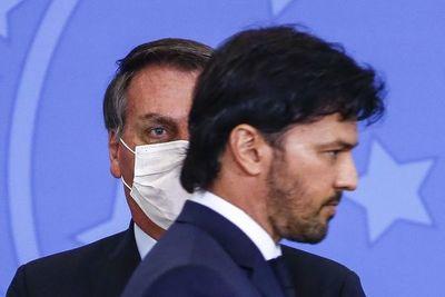 Bolsonaro renueva la comunicación del gobierno para salvar su mandato