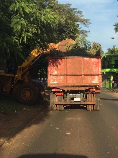 Itaipú se desentiende de la limpieza de sus áreas habitacionales en CDE