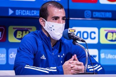 Raúl Cáceres cuenta la historia de sus camisetas de Cruzeiro