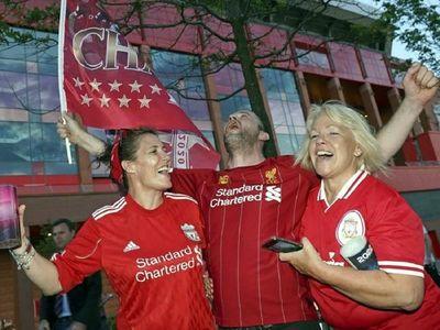 El Liverpool pide a sus aficionados que no celebren en las calles en grupo