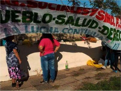 Vecinos exigen equipos  para el Hospital  de Independencia