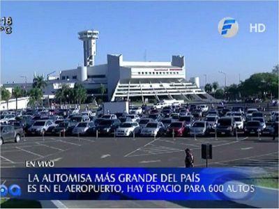 Masiva participación de fieles en automisa en el Aeropuerto