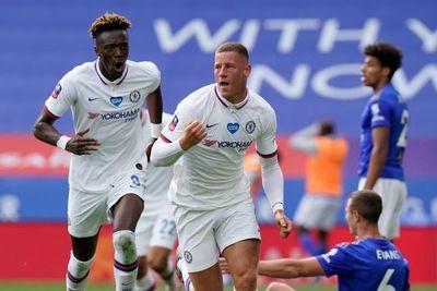 Chelsea también avanza