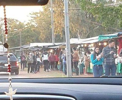 Descontrol en feria de frutilla en Itauguá y Areguá