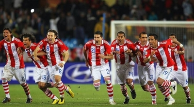 HOY / La histórica clasificación a cuartos de final, en Sudáfrica 2010