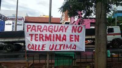 Continúa manifestación en el microcentro de Ciudad del Este