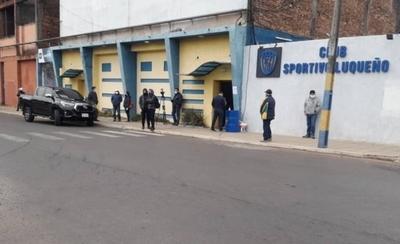 HOY / Luqueño cierra sus oficinas ante un posible caso de COVID-19