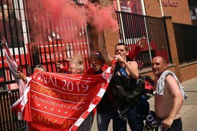 Klopp criticó a los hinchas que festejaron el título en multitud