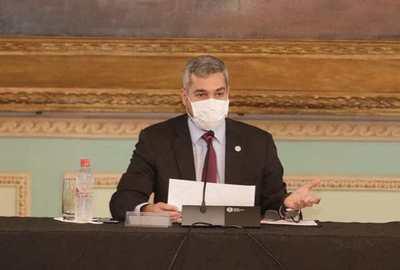 Abdo presentó plan para reactivación con US$ 350 millones más de deuda