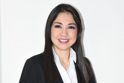 La bella periodista msionera Emi Baéz está de cumpleaños!!!