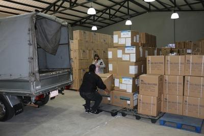 Concejal Ullón entrega donativos enviados por China