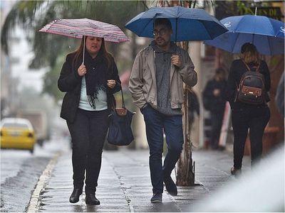 Alerta por lluvias y tormentas eléctricas con avance de frente frío
