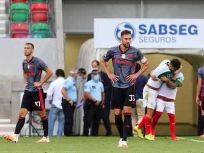 El Benfica se hunde en Funchal