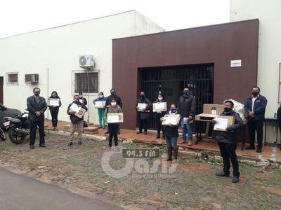 Entregan computadoras para escuelas indígenas de la zona de Pedro Juan