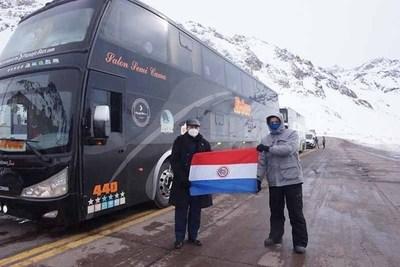 Embajada en Chile organizó retorno de 55 compatriotas y residentes