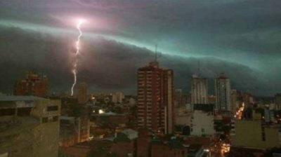 Emiten alertas por tormentas para el sur del país