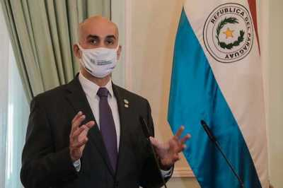 Ministro manifiesta preocupación con relación a muertes por coronavirus